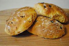 Anne's hyggested: Ugens brød: Frokostbolle med soltørrede tomater og oliven