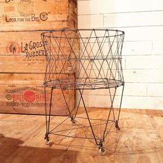 Vintage Wire Laundry Basket  ヴィンテージのワイヤー製ランドリーバスケット。  リアルに洗濯物を入れるも良し。 靴とか乱雑に入れても。  #柏#kashiwa#古着屋gleeful#グリーフル#gleeful#vintage#ヴィンテージ#家具#furniture#什器#laundrybasket#ランドリーバスケット