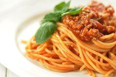 Classic meat sauce spaghetti