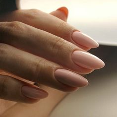 If you don't like fancy nails, classy nude nails are a good choice because they are suitable for girls of all styles. And nude nails have been popular in recent years. If you also like Classy Nude Nail Art Designs, look at today's post, we have col Nail Art Designs Images, Nail Designs, Ten Nails, Nagel Blog, Almond Nails Designs, Nail Polish, Nail Nail, Manicure Y Pedicure, Chrome Nails