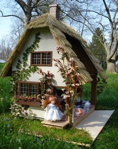 Dollhouse Cottage On Pinterest Dollhouses Cottages And
