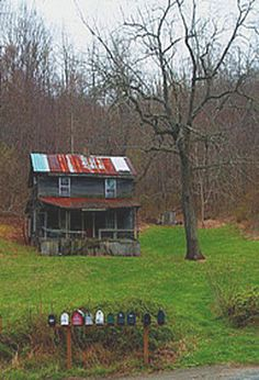 Mountain Farm House & Mail Boxes....This ole house.....ohhh at the memories this one must hold......