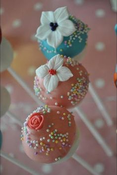 Floral Cake Pops| Be inspirational  ❥|Mz. Manerz: Being well dressed is a beautiful form of confidence, happiness  politeness