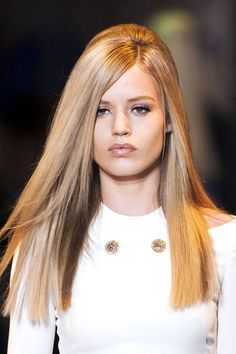 The blunt cut is not just reserved for shorter styles.  We love the squared-off ends on these longer locks.