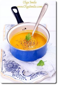 Zupa dyniowa krem Vegan Soups, Food Inspiration, Thai Red Curry, Cantaloupe, Squash, Food Photography, Food And Drink, Fruit, Cooking