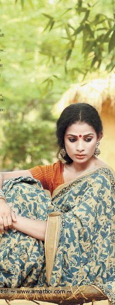 Malkha Saree (Malmal + Khadi), India's freedom fabric made from sustainable cotton - original pin by Ethnic Sarees, Indian Sarees, Ethnic Fashion, Indian Fashion, Saree Fashion, Saris, Indian Dresses, Indian Outfits, Beautiful Saree