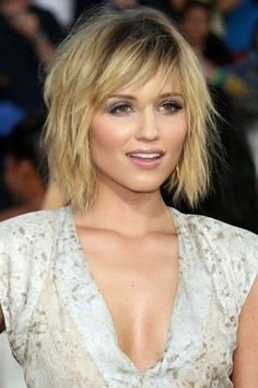 The Most Amazing As well as Stunning dianna agron short hair … - Meine Frisuren Short Hairstyles 2015, Angled Bob Hairstyles, Cool Haircuts, Fine Thin Hairstyles, Short Choppy Haircuts, Easy Hairstyles, Short Hair Cuts, Short Hair Styles, Corte Y Color