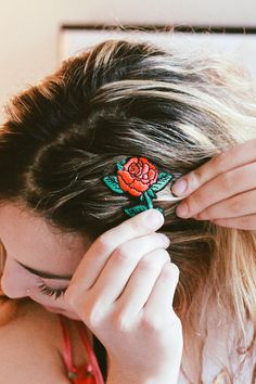 Tips + Tricks: Hair Accessories and Crimping - Urban Outfitters - Blog