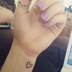 Tattoo Sister Heart Tatoo 47 Ideas For 2019 Trendy Tattoos, Mini Tattoos, Cute Tattoos, Beautiful Tattoos, Body Art Tattoos, New Tattoos, Sleeve Tattoos, Tatoo Heart, Heart Outline Tattoo