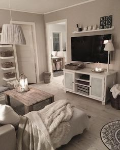 All time seasons. Cute Apartment, Apartment Living, Apartment Goals, Dream Apartment, Apartment Ideas, New Living Room, Living Room Decor, Home Office Bedroom, First Apartment Decorating