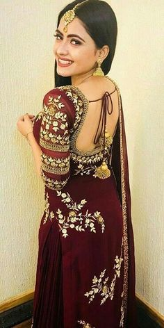 #pintrest@Dixna deol Indian Suits, Indian Attire, Indian Dresses, Indian Wear, Punjabi Suits, Punjabi Fashion, Bollywood Fashion, Indian Fashion, Saris