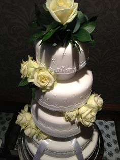 White lace and rose wedding cake by Flourpowerbynina