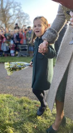 Prince George and Princess Charlotte attended the 2019 Royal Christmas service with Prince William, Prince Charles, and Kate Middleton. William Kate, Prince William And Kate, Prince Edward, Duchess Of Cornwall, Duchess Of Cambridge, Duchess Kate, Duke And Duchess, Kate Middleton, Old Prince