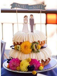 Pub Wedding, Wedding Table, Wedding Events, Rustic Wedding, Cake Wedding, Wedding Decor, Wedding Ideas, Weddings, Unusual Wedding Cakes