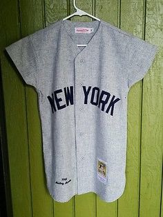 Mitchell & Ness Yankees Throwback Jersey Baseball Sport Micky Mantle Button