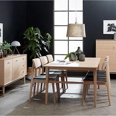 Ascot spisebord i hvidpigmenteret eg med størrelse 90 x cm. Conference Room, New Homes, Living Room, House, Furniture, Design, Home Decor, Lily, Home