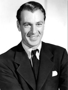Gary cooper By Warner Bros. Studio [Public domain], via Wikimedia Commons