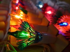 Vintage Christmas Tree Light String Multi Colored Bulbs And Flower Reflectors