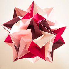 A beautiful and simple 30-piece origami kusudama.