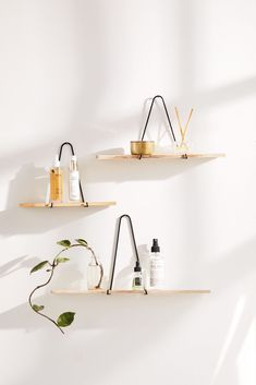 Carter Triangle Bracket Wall Shelf Carter Triangle Bracket Wandregal & Urban Outfitters The post Carter Triangle Bracket Wandregal appeared first on Tiffany Bacote. Hanging Shelves, Storage Shelves, Floating Shelves, Shelves Lighting, Storage Caddy, Shelf Display, Storage Mirror, Hanging Rope, Shelving Ideas