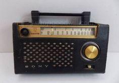 Vintage Sony FM/AM 12 Transistor Portable Radio