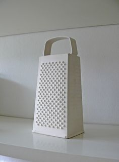 grater (22 x 10 x 8cm) earthenware by Harumi Foster