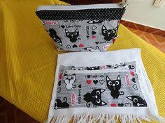 Necessaire e toalha com bolso cats