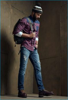 Going casual with LE 31 Noah Mills wears a chambray-block plaid shirt and mossy green beanie. The top model also sports Levi's distressed 511 denim jeans and Toms Ashland boots with a Jansport backpack. Mens Fashion Summer Outfits, Mens Fashion Blazer, Men Fashion Show, Men's Fashion, Fashion Ideas, Jeans Levis 511, Denim Jeans Men, Noah Mills, Indie Comics