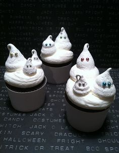Cupcake for our favorites : Devil's food cupcakes with a heavy cream marshmallow filling topped with meringue ghosts.