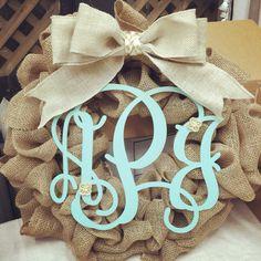 Pinterest LIVE! at Suite Pieces Burlap Wreath event Visit our website for more events! #suitepieces #diy