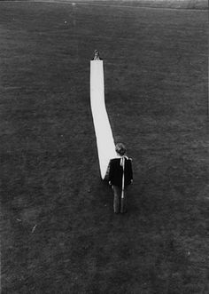 Franz Erhard Walther, Demonstrating the Elfmeterbahn, 1964