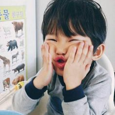 Page 2 Read Ki Yong from the story Ulzzangs ✿ by soxxju (☁) with reads. Cute Asian Babies, Korean Babies, Asian Kids, Cute Babies, My Children, Kids Boys, Baby Kids, Baby Boy, Cute Little Baby