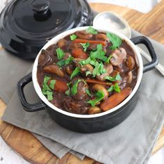 Vegetarian stew with mushrooms and carrots – Mariëlle in the Kitchen - Schnell Healthy Summer Recipes, Healthy Meals For Two, Healthy Drinks, Healthy Food, Vegetarian Stew, Vegetarian Recipes, Cooking Recipes, Dairy Free Diet, Food Dishes