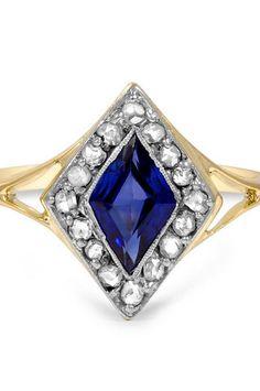 http://rubies.work/0863-ruby-pendant/ Darian Sapphire Ring