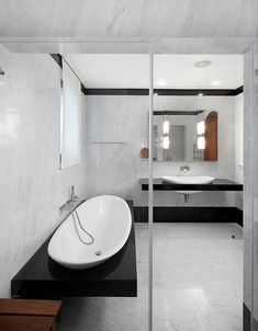27 Exquisite Marble Bathroom Design Ideas Source by helenlay Rustic Bathroom Designs, Modern Bathroom Design, Bath Design, Bathroom Interior Design, Black White Bathrooms, White Bathroom Tiles, Master Bathroom, Bathroom Trends, Bathroom Renovations