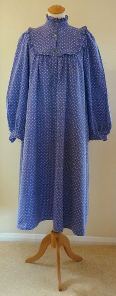 VINTAGE 70s LAURA ASHLEY BLUE FLORAL SMOCK DRESS SIZE 10 made in Carno Wales | eBay