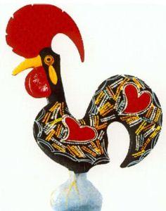 "GALO DE BARCELOS ""CANTA"" SOBRE O EMPLASTRO DE BOLIQUEIME Portugal, Ceramic Rooster, Portuguese Culture, Galo, Number Two, Love Symbols, Ceramic Painting, Pilgrim, Traditional Design"