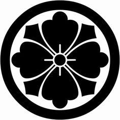 丸に剣花角(まるにけんはなかく)