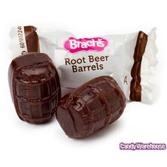 An old fashioned candy classic, Brach's Root Beer Barrels will have the old time memories of the five and dime store and the soda fountain shop rushing back! Retro Candy, Vintage Candy, Vintage Toys, Root Beer Candy, Root Beer Barrels, Penny Candy, Oldies But Goodies, Favorite Candy, Candy Store