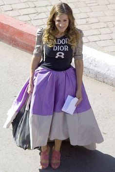 This outfit from Sex and the City 2 is so easy to recreate and put your own spin on. I had a full skirt in the closet and paired it with my own tee and cardigan! Its a head turner without being over the top!