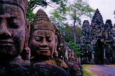 http://www.ibeautifulplacestovisit.com/2014/07/16/angkor-wat-siem-reap-cambodia/