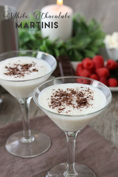 Making a white chocolate martini with vanilla vodka, and white chocolate liqueur is easy! This white martini is simple and delicious! White Chocolate Martini Recipe, White Chocolate Liqueur, Chocolate Vodka, Chocolate Lovers, Martini Recipes, Alcohol Drink Recipes, Cocktail Recipes, Dessert Drinks, Yummy Drinks