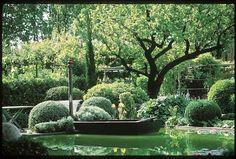 Nicole de Versain garden in Provence