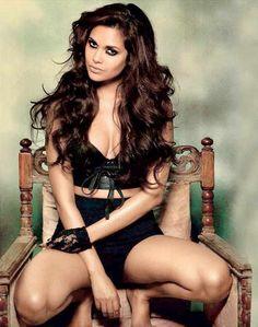 Esha Gupta #Bollywood #Fashion #Style