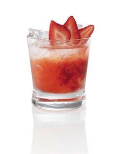 -BLEN Strawberry jelly- Berryoska Revolution 1 1/2 oz. Russian Standard Vodka 5 strawberries 3 oz. lemonade Garnish: strawberry slices Muddle strawberries in an old-fashioned glass. Add ice, vodka, and lemonade. Garnish with a few strawberry slices. Bar Drinks, Cocktail Drinks, Cocktail Recipes, Drink Recipes, Cocktail Garnish, Fancy Drinks, Strawberry Drinks, Strawberry Slice, Vodka Strawberries