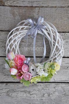 Diy Wreath, Door Wreaths, Grapevine Wreath, Nylon Flowers, Flower Boxes, Easter Wreaths, Summer Wreath, Floral Wreath, Factors