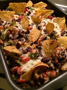 Mexican casserole Mexicaanse ovenschotel Recipe on www. Tapas, I Love Food, Good Food, Yummy Food, Easy Cooking, Cooking Recipes, Healthy Recipes, Cooking Pork, Mexican Nachos