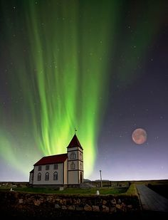 Aurora Borealis, Iceland ♥/Shinning Light glowing down on a Church/AWESOME