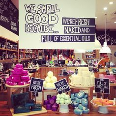 Lush cosmetics, the best natural beauty product you can get! Lush Cosmetics, Handmade Cosmetics, Lush Aesthetic, Lush Shop, Melt And Pour, Lush Bath Bombs, Lush Products, Makeup Products, Beauty Products
