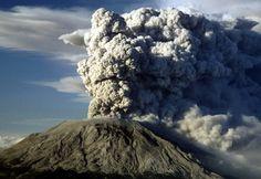 Letusan Mount St. Helens- diawali dengan gempa 5.1 skala Richter, letusan setara dengan 500 bom atom